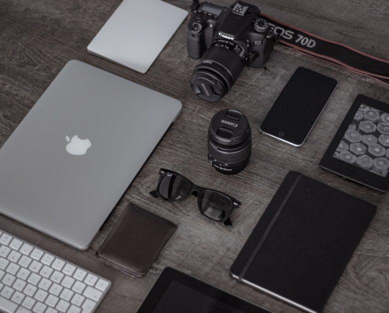 カメラやスマホなどのガジェット